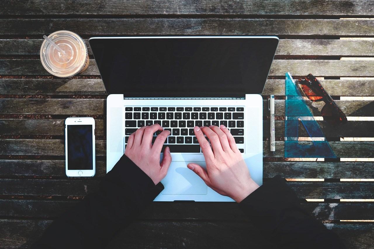 Laptop CoderZ Blog Browser based web-based